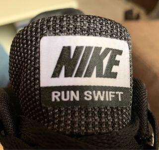 Zapatillas Nike Run Swift (talla 44)