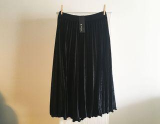 Falda midi terciopelo negra
