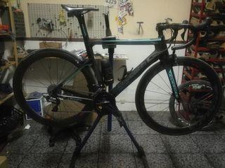 bicicleta aero de carretera