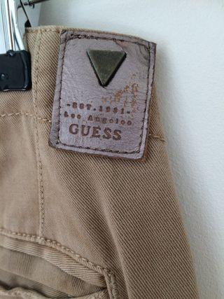 Pantalón Guess marrón