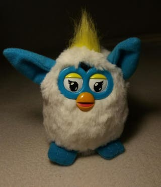 Peluche Furby.