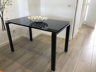 Mesa de diseño cristal templado negro de LA OCA