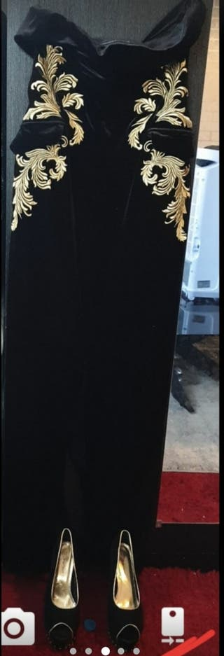dress size L and shoes size 7
