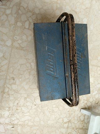 Caja herramientas metálica