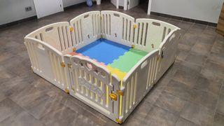 Parque bebes y niños con alfombra goma eva
