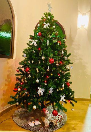 Árbol de navidad muy grande