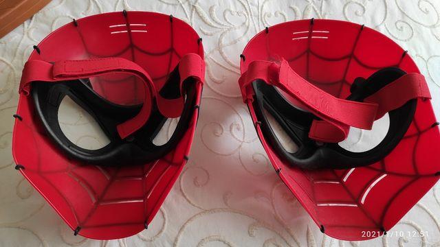 mascara de Spiderman, una 8 €, ambas 15 €