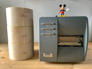 Impresora de etiquetas térmica + 4 rollos.