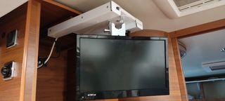 Televisión y soporte para autocaravana
