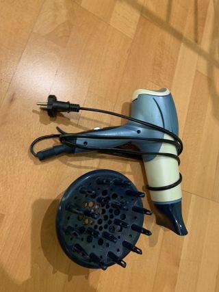 Secador de pelo con 2 difusores