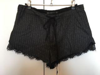 Shorts negros de invierno de Zara