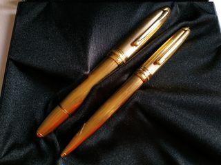 Juego de pluma y bolígrafo Montblanc oro numerados