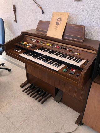 Órgano Yamaha doble teclado