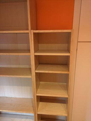 Estantería IKEA en buen estado (40 cm ancho)