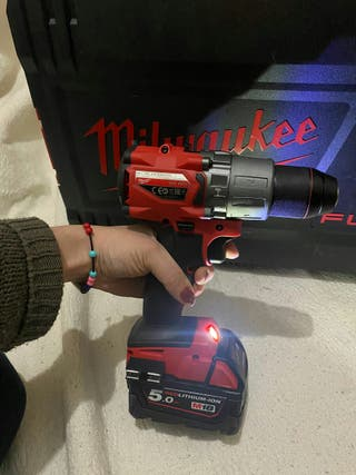 Taladro percutor sin escobillas Milwaukee M18 FPD2