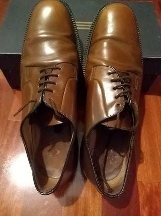 Zapatos Yanko. T10,5 americano o 45. Marrones