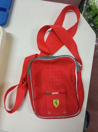 bolso Ferrari