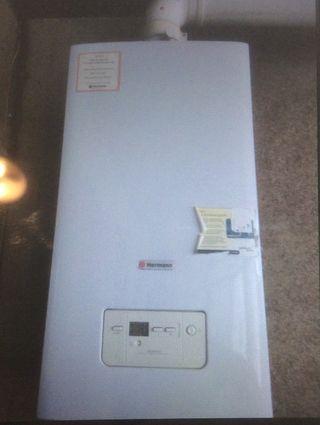 Caldera de calefacción y agua caliente