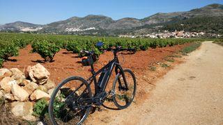 Bicicleta CUBE Hídrida electrica