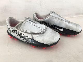 Botas tacos fútbol Nike