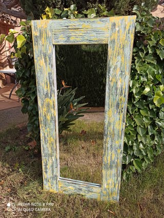 espejo con marco vintage