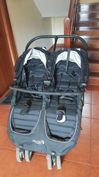 City mini gemelar + 2 sacos + bolso