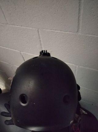 casco protector con pie GoPro (bicicleta y skate)