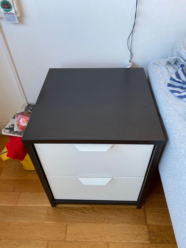 Mesa de noche IKEA (x1)