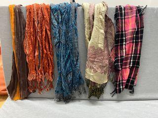 5 pañuelos/bufandas/foulares