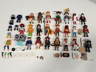 Lote 22 Playmobils Varias Temáticas + Extras