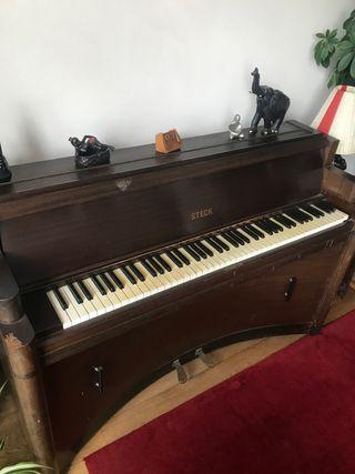 Art Deco Piano