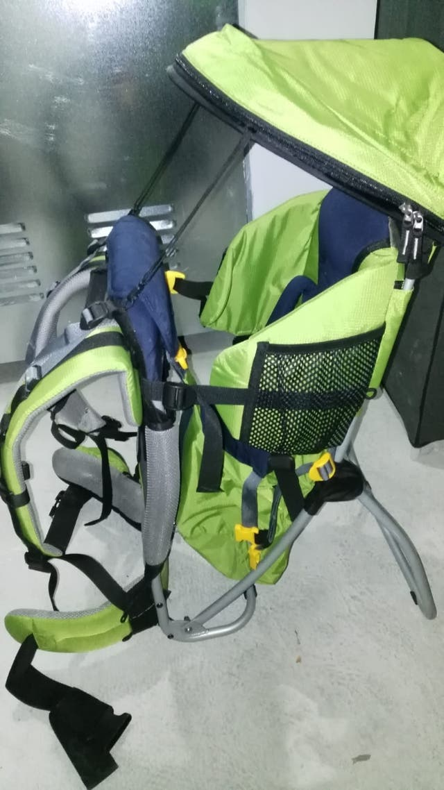 mochila portabebe senderismo