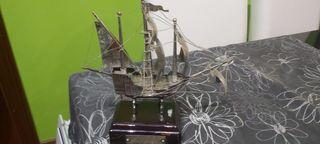 Barco de plata Santa María