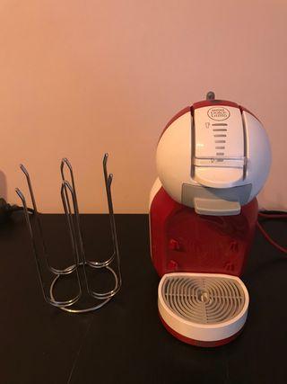 Cafetera automática Dolce Gusto y portacapsulas