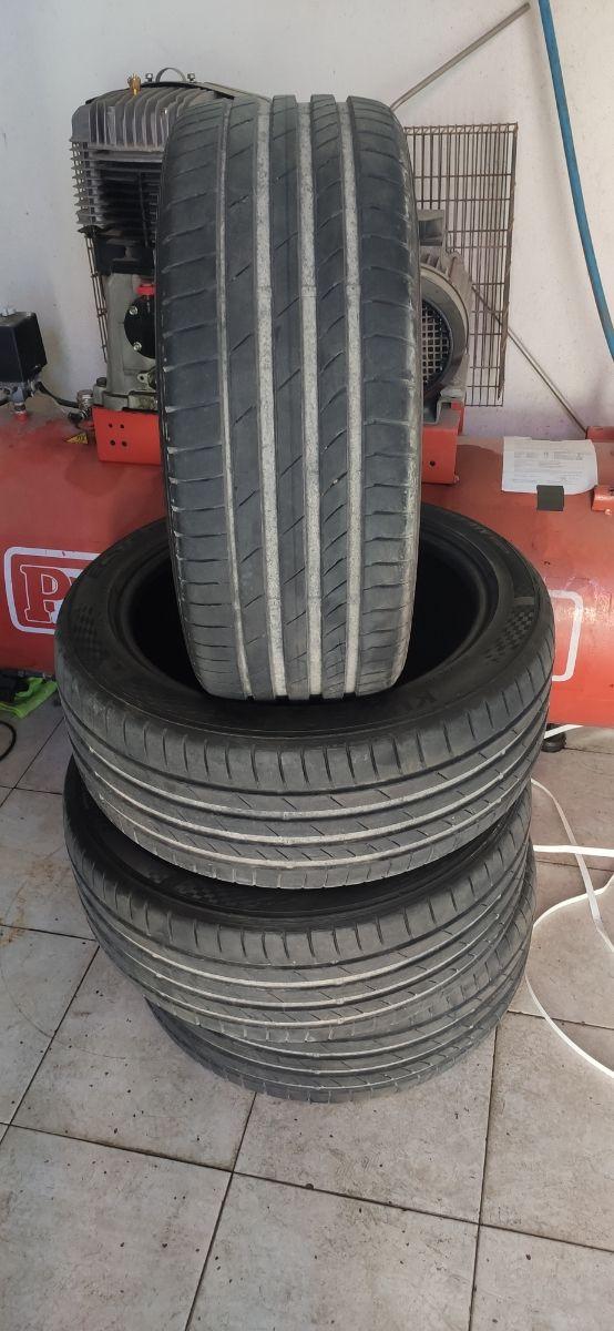 vendo 4 neumáticos kumho 225/45 R17