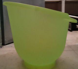 bañera-cubo anticolicos verde