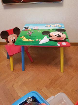 Mesa y sillita para niñ@s
