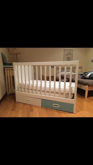 Cuna bebé Ikea muy buen estado.