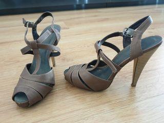 zapatos tacón beig talla 35