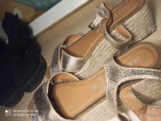 plataforma sandalias doradas
