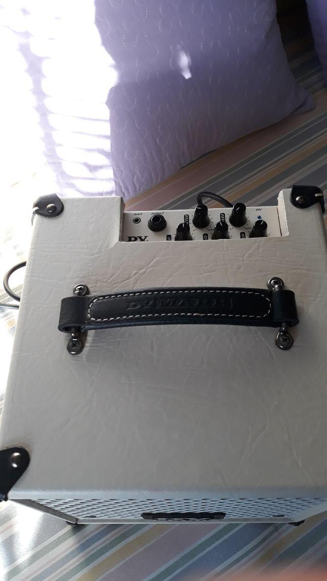 amplificador de guitarra.