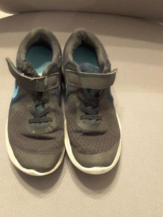 chaussure Nike hyper rare