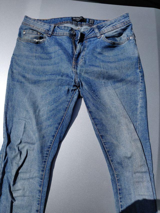 Pantalon Vaquero De Hombre Bershka De Segunda Mano Por 10 En Alcobendas En Wallapop