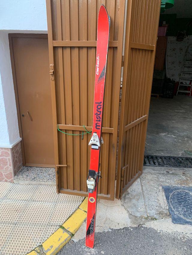 Esquí Mistral