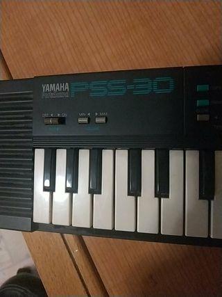 órgano pequeño Yamaha pss30, 38cm