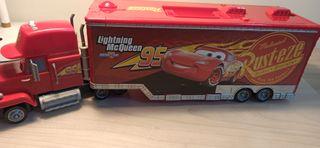Camion Cars y pista de cars mas coche