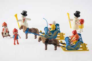 Playmobil niños, muñecos nieve y trineos