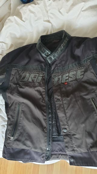 chaqueta dainese