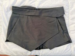 Falda pantalón negra de Zara