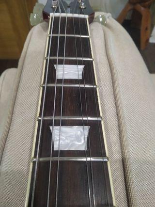 Guitarra estilo Les Paul